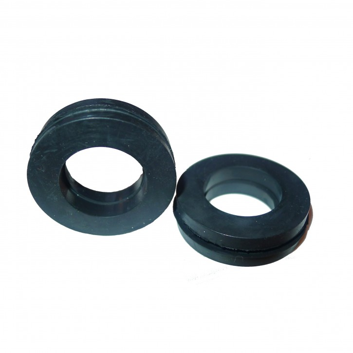 Set of lead-through rubbers for heating hose